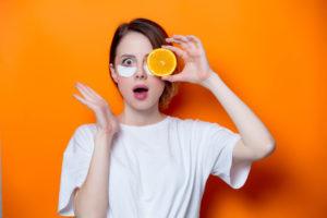 目元の老化防止に効果的な食べもの